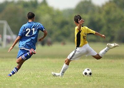 soccer-1457988_1280-compressor